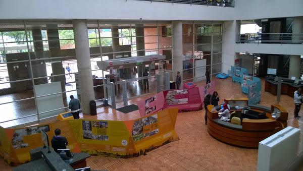 Biblioteca Pública El Tunal-1.jpg