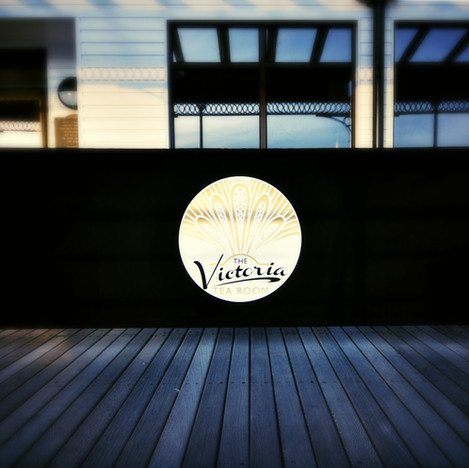Cafe-Barriers-Bespoke-Windbreakers_edite