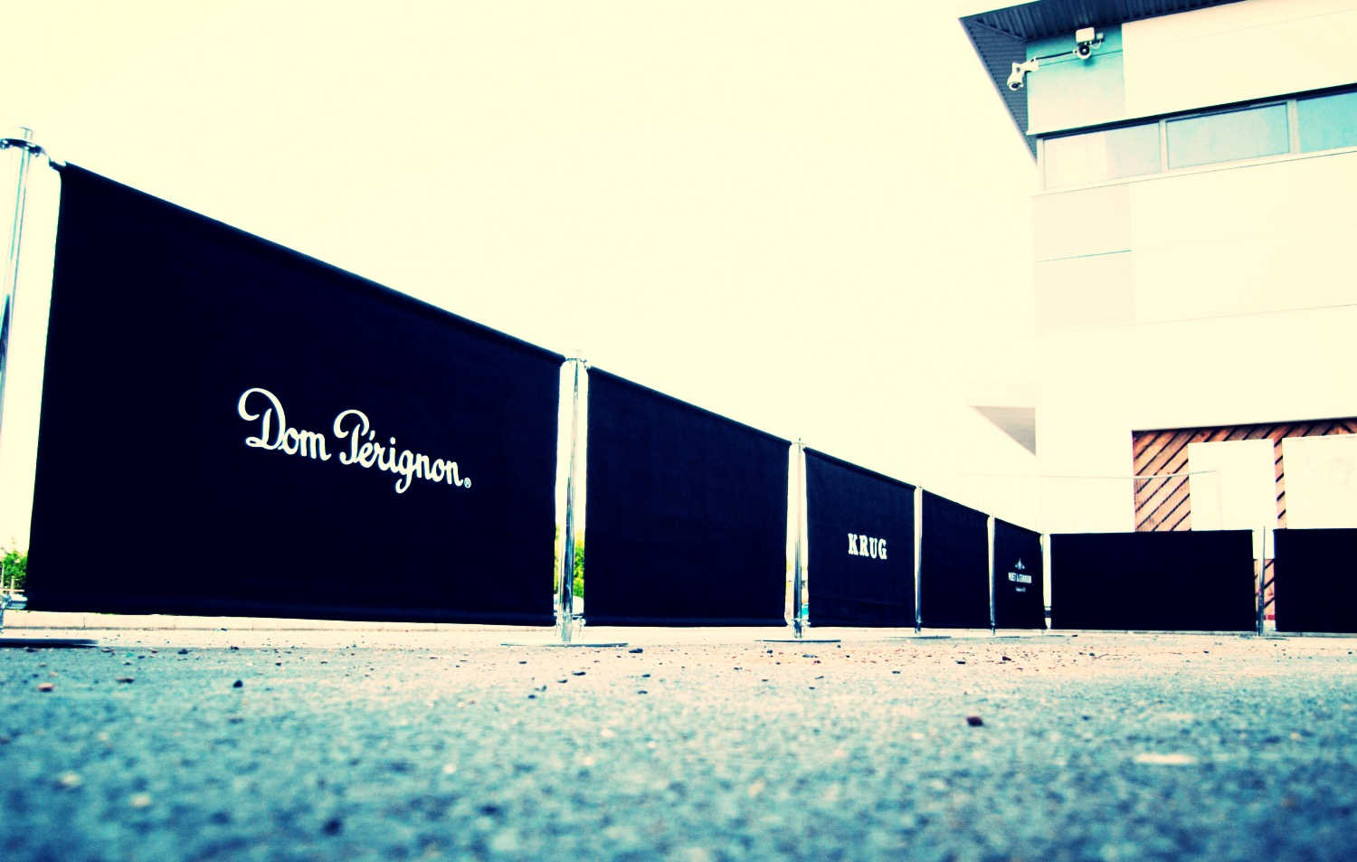 Dom-Perignon-Cafe-Barriers_edited