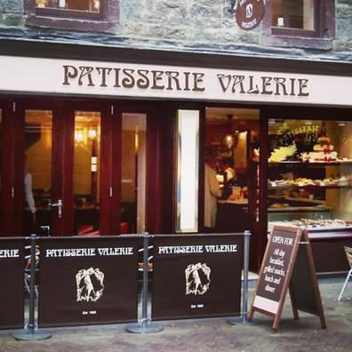 Pavement-Cafe-Screens-Patisserie-Valerie
