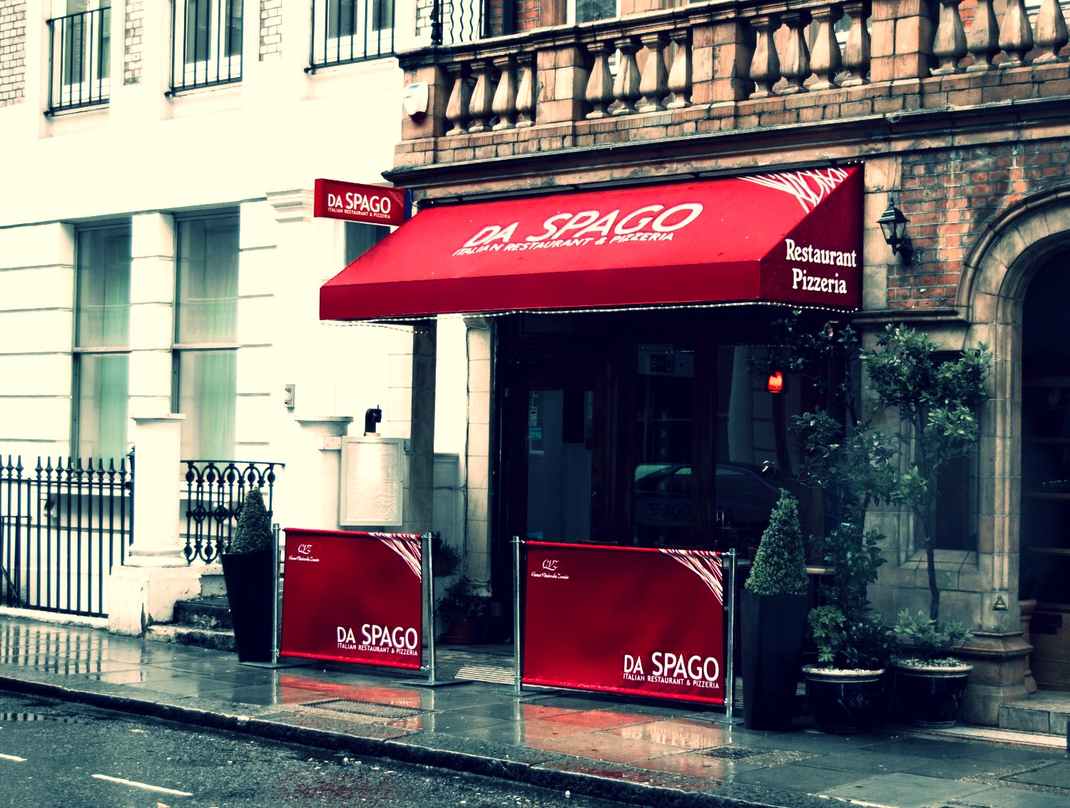Awning & matching Cafe Screens, UK