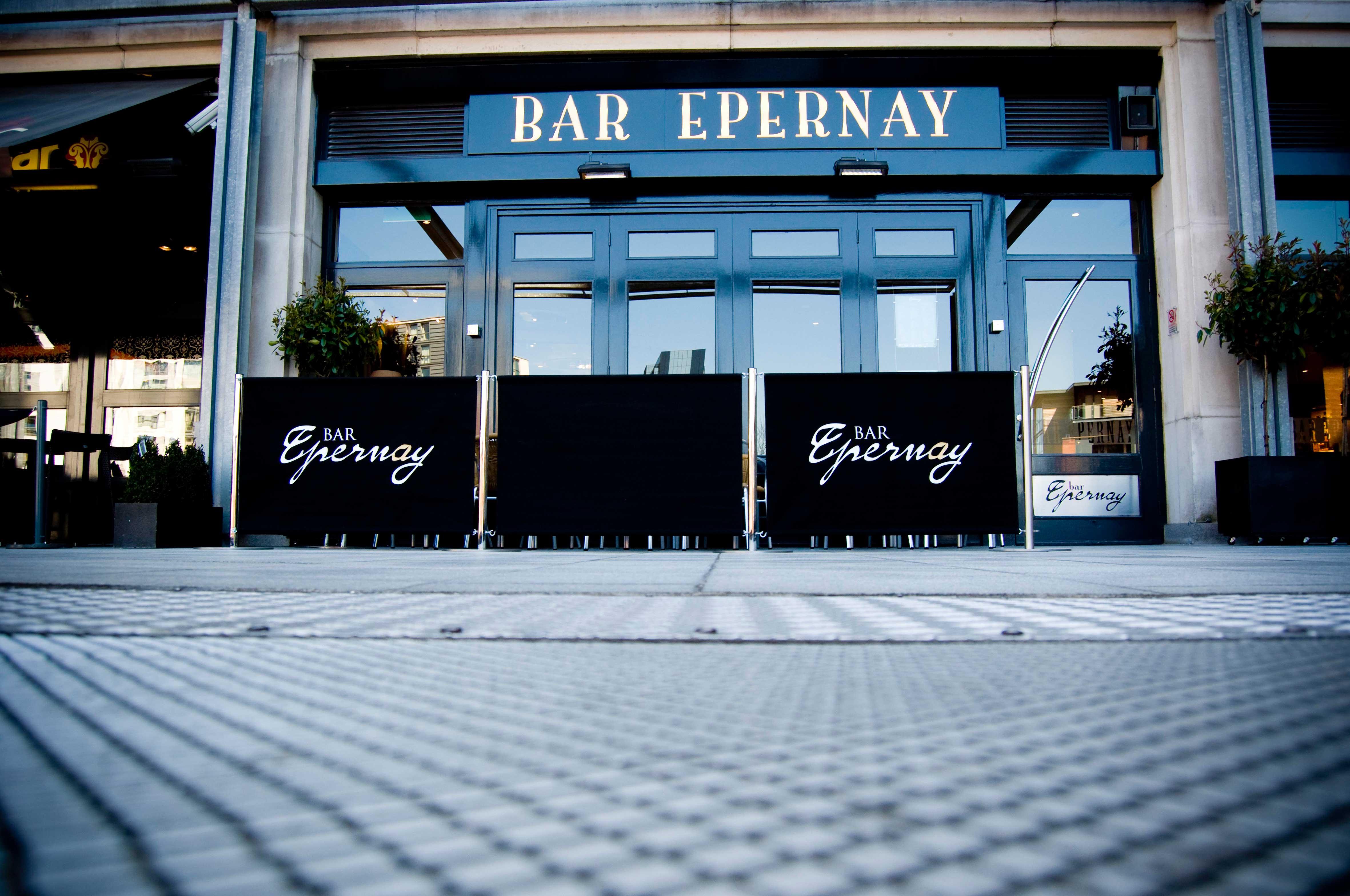 Restaurant-smoking-barriers---Bar-Eperna