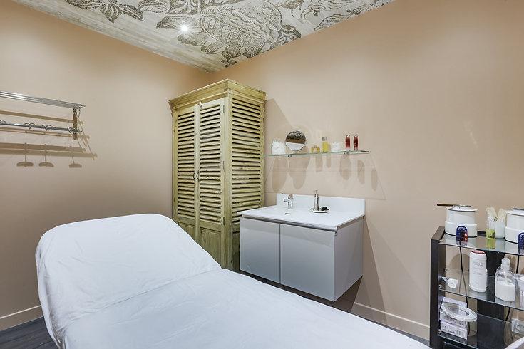 cabine de soins du salon de beauté à paris