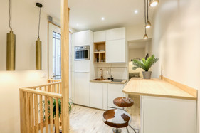 Une cuisine dans une entrée