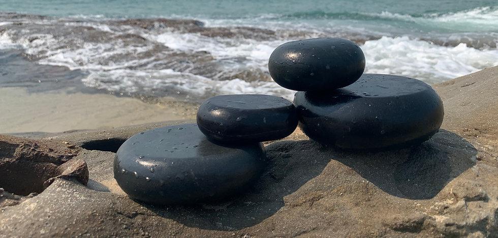 Hot stone rocks