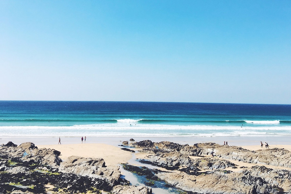 Fistral Beach, Wild and Free Adventures, Alan Stokes, Philly Lewis, Surf and yoga retreats, Cornwall, surfing