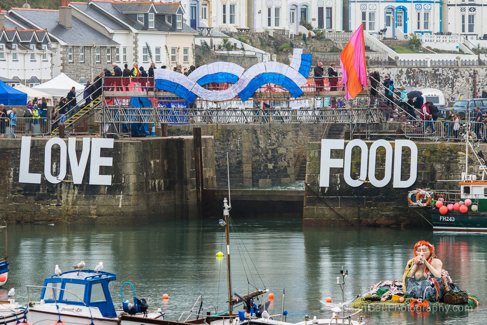 Porthleven food and music festival, wild and free adventures, things to do, harbour, food, drink, music, festival, Cornwall, yoga retreat, surf lessons,