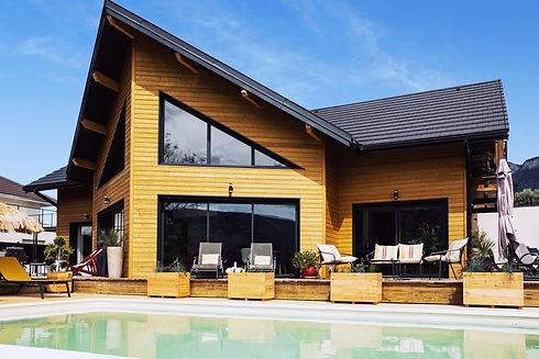 Vue piscine et maison.jpg