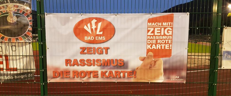 Der VfL Bad Ems zeigt Rassismus die rote Karte