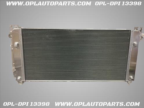 Radiator For 14-17 Chevy V-8 W/TOW SIERRIA SILIVERADO ESCALADE SUBURBAN TAHOE