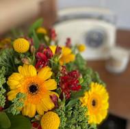 https://www.daisymayflowers.com/