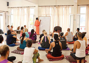500-hour-yoga-teacher-training-rishikesh