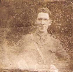 Early photo of Seán