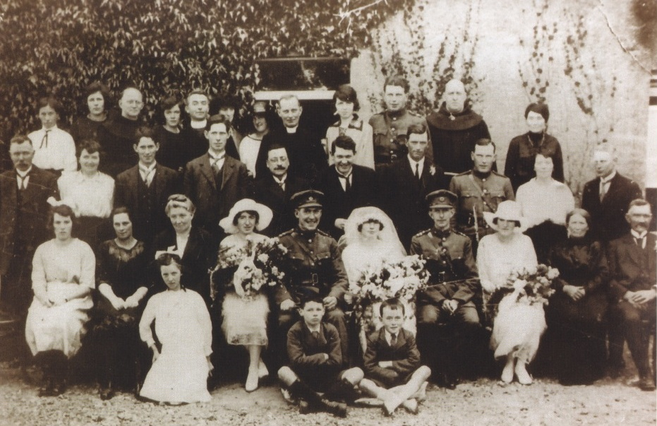 Family and wedding guests 1922