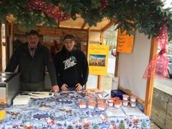 Erwin und Alexander auf dem Lehenthaler Weihnachtsmarkt