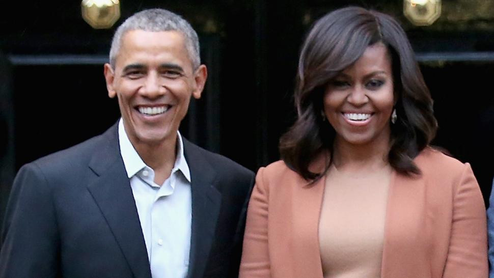 Barack Obama and Michelle Obama smiling