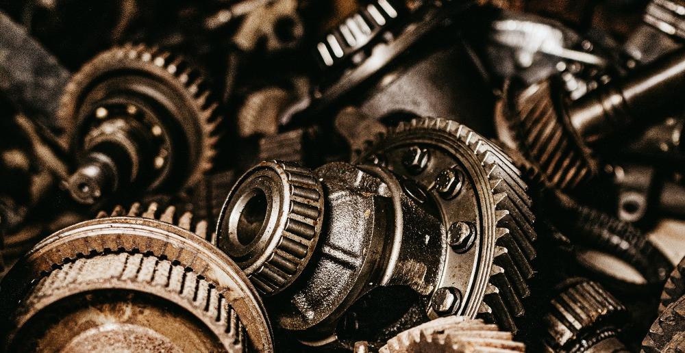 Various metal gears in a heap