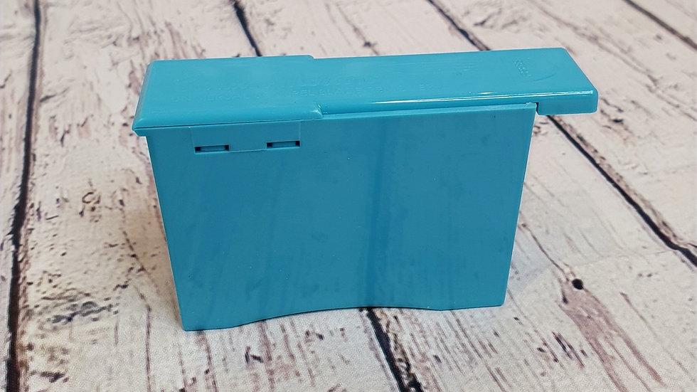 Dermaplaning sharps box
