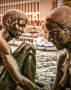 sculpture-3680567_1920.jpg