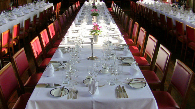 HOW TO BEHAVE IN A MILITARY FORMAL DINNER