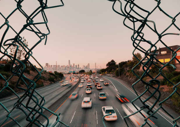 cars-on-road-3849168.jpg