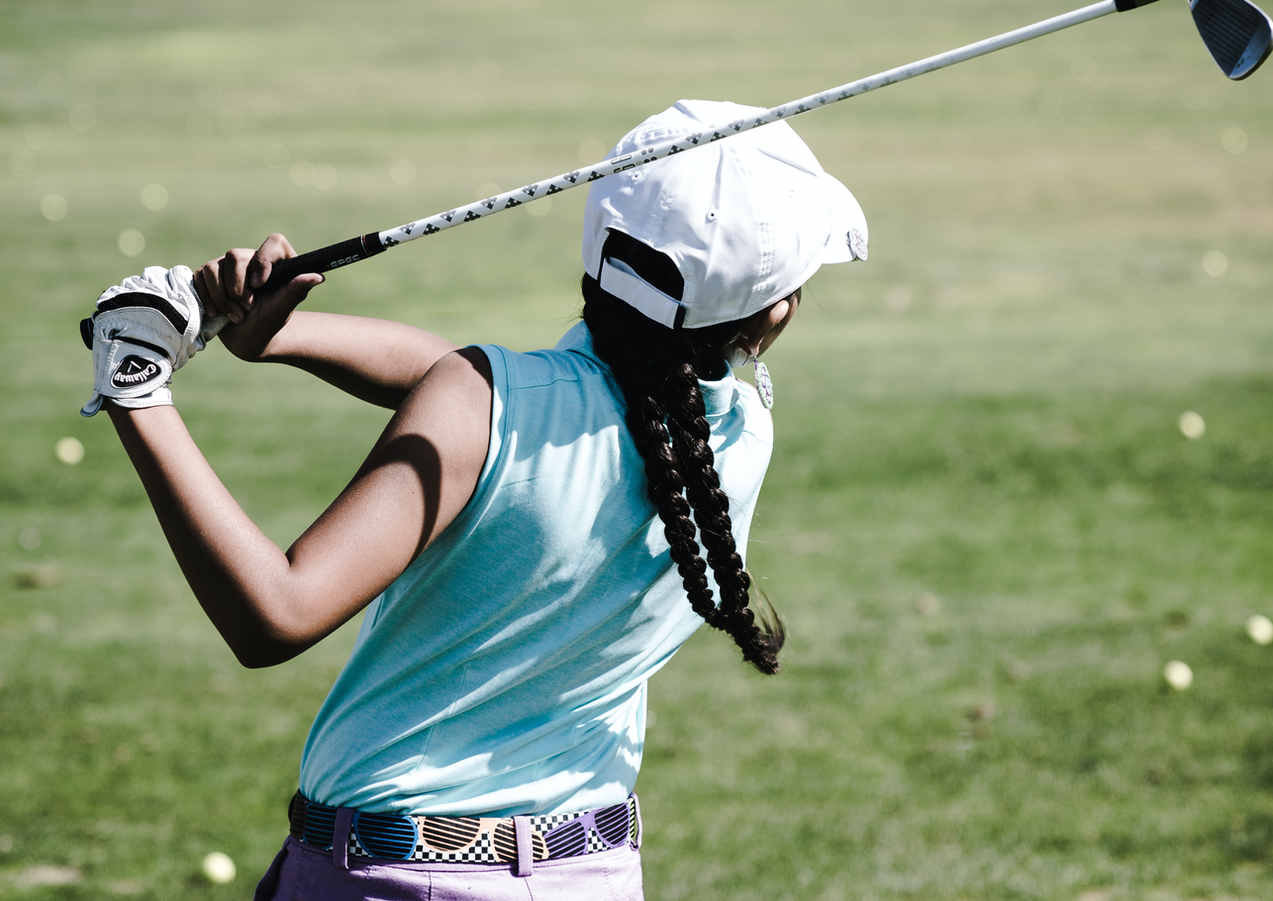 woman-playing-golf-1325654.jpg