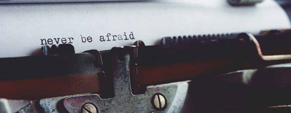 never-be-afraid-on-typewriter-2272193.jp