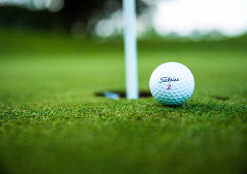 close-up-photo-of-golf-ball-2828723.jpg