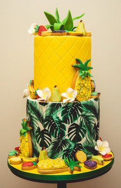 Tropical Cake with Cookies