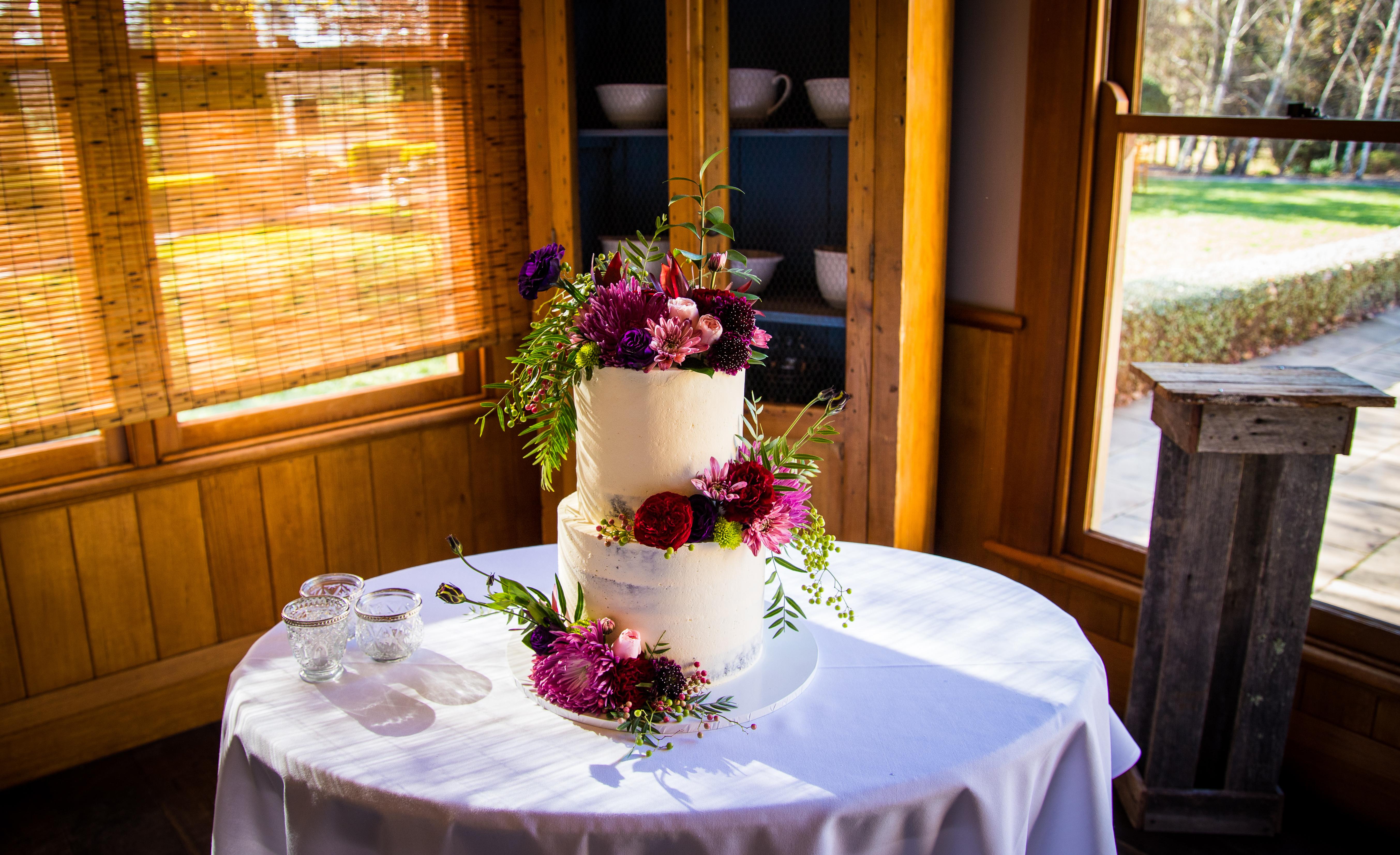 Bowral Semi Naked Wedding cake