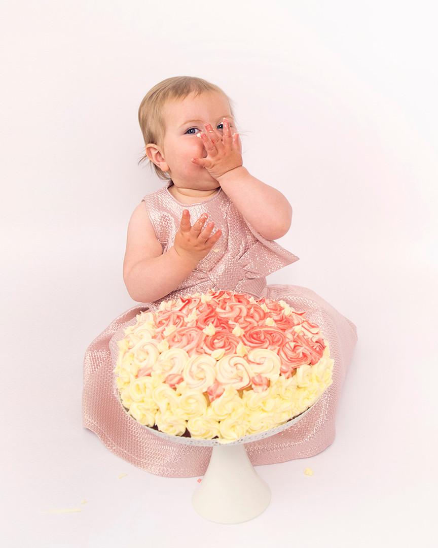 Poppy's Cake Smash_7.jpg