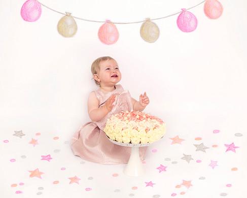 Cake Smash_Balloons&Confetti.jpg