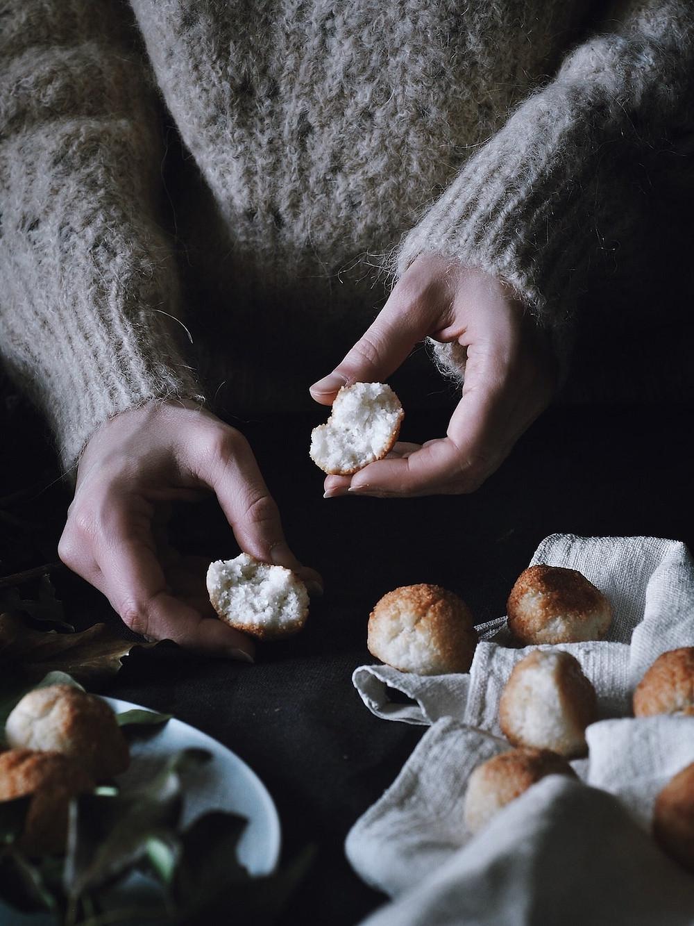 ophelias-light-coconut-macarons