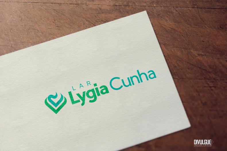 LAR LYGIA CUNHA_logo-mockup-2.png