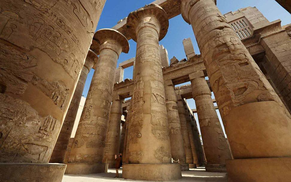 colonne-maestose-tempio-di-karnak-luxor-