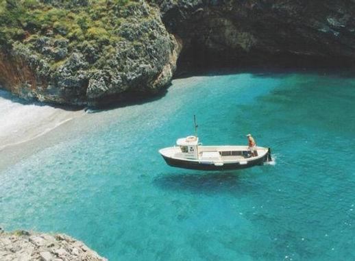 spiaggia-cala-bianca-mare-turchese-limpi