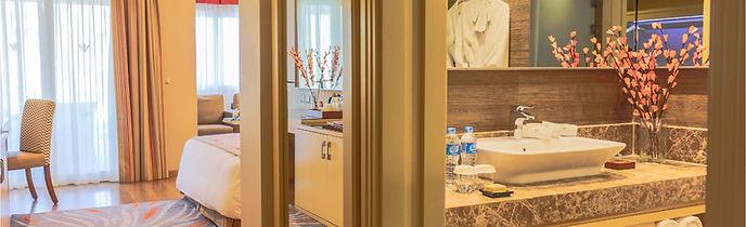 lucky eye_dluxe room (inside) bathroom.j