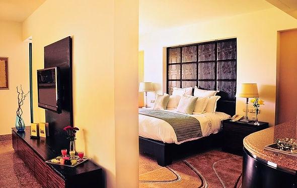 Room ROYAL MONTECARLO.jpg