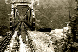 On-the-train-Montenegro-Deni-Gostl-Photography-DGArt-Creations