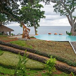 piscina-di-pietre-vista-oceano-manga-soa