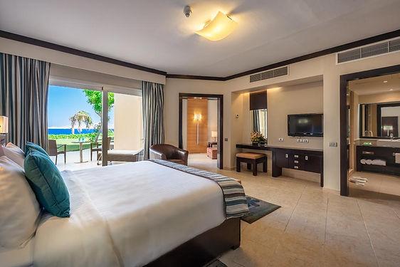 CLEOPATRA_Junior-Suite-Bedroom.jpg