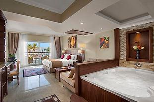 Jaguzzi in Premium Luxury Pool View - Su