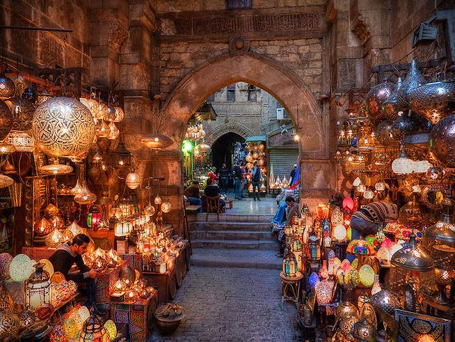 khan-el-khalili-bazaar-bab-al-ghuri-Cair