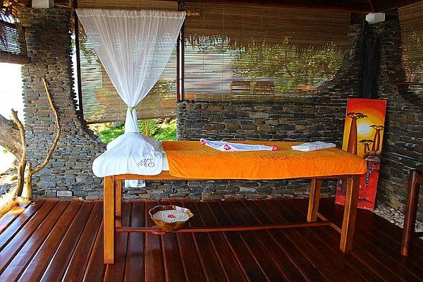 massaggi-lettino-manga-soa-lodge-nosy-be