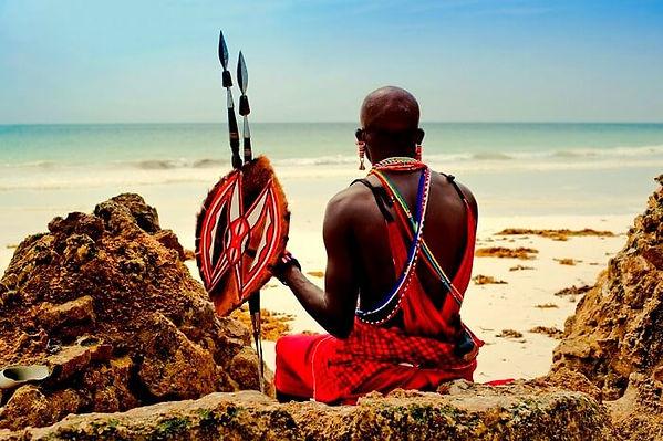 Guerriero Masai sulla Spiaggia di Diani.