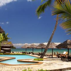 piscina-vista-mare-corail-noir-le-jardin