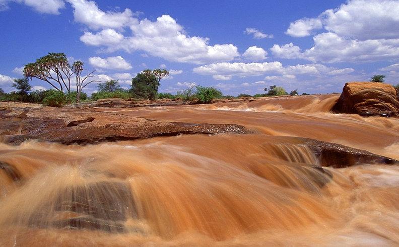 tsavo-west-kenya .jpg