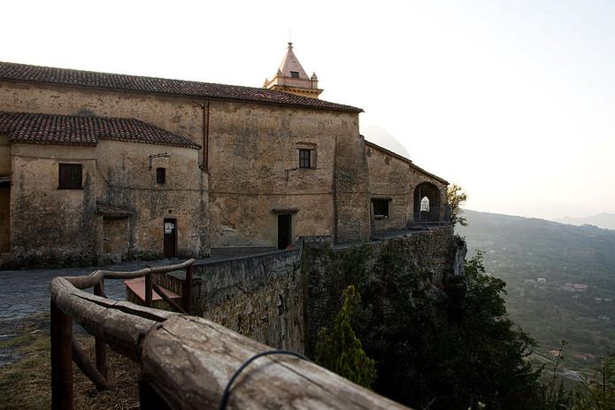Santuario diroccato di Pietrasanta