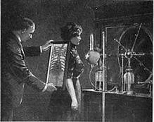 Fluoroscopy_procedure_1909.jpg