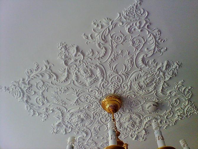 потолочные орнаменты лепнина из гипса